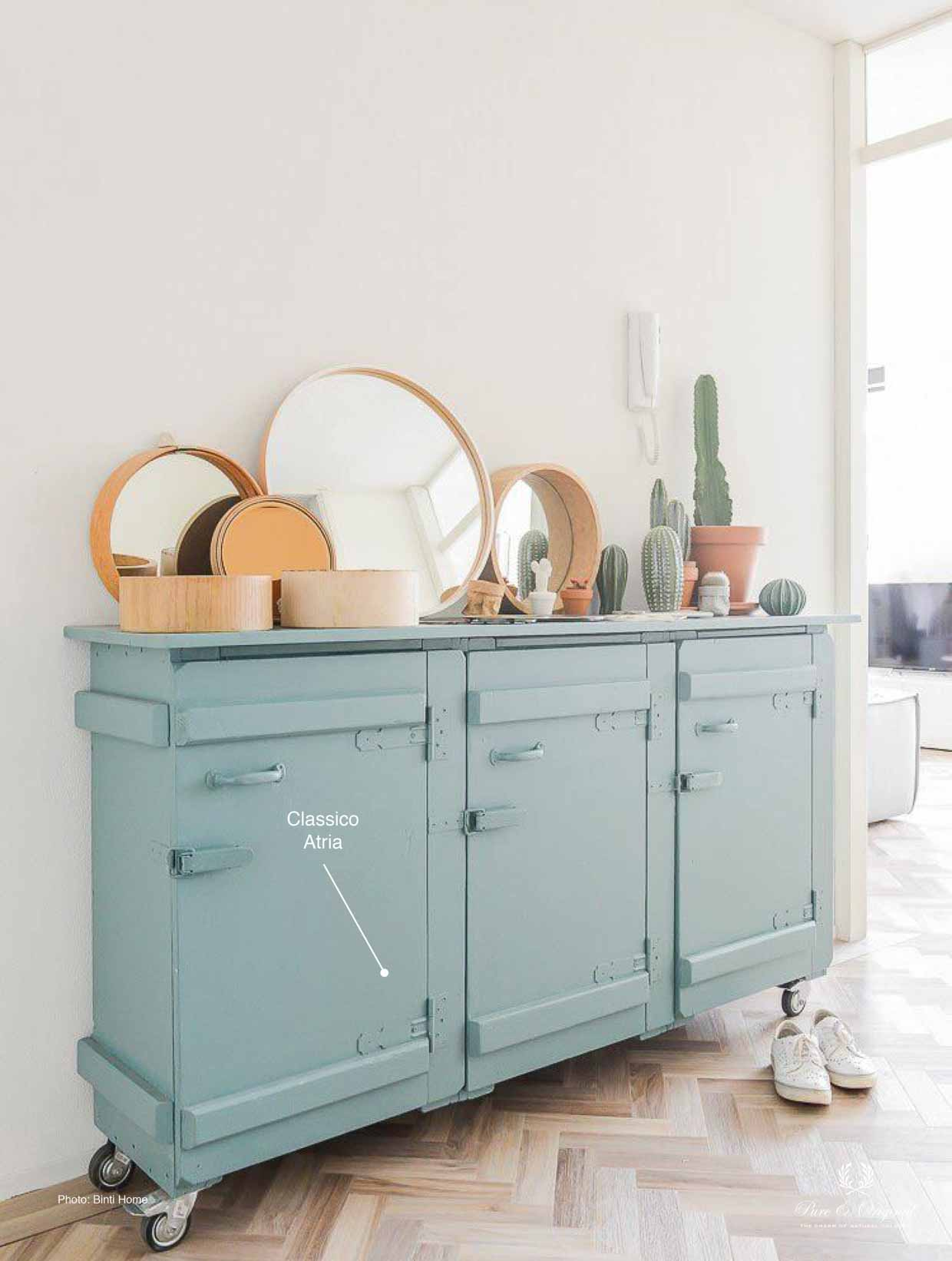 Classico chalk paint in the colour Atria