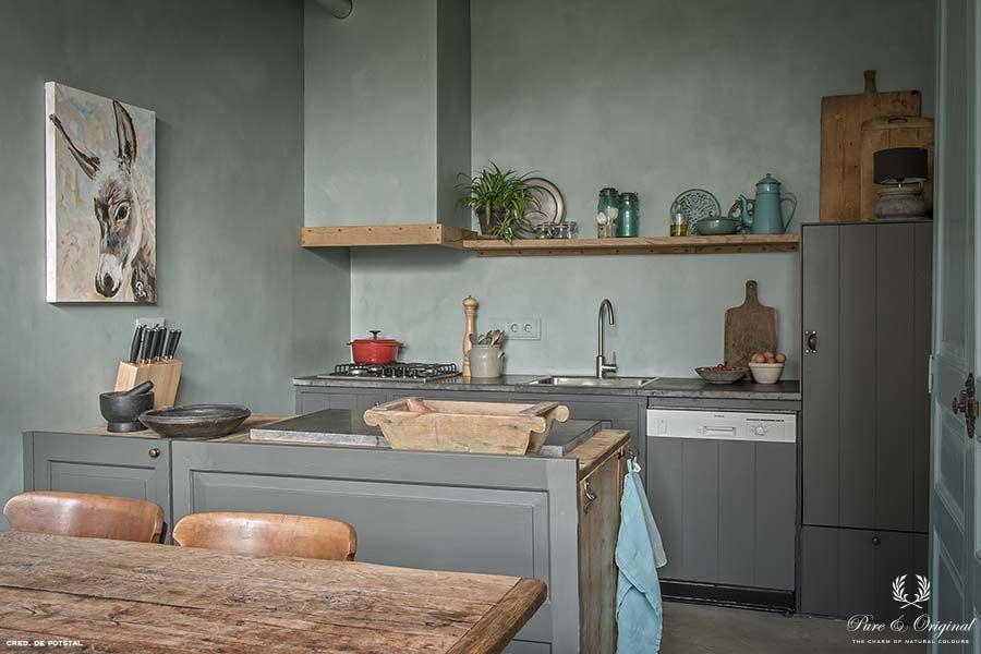 Traditional Paint in the colour Thunder Sky and Fresco Blue Reef, applied in the kitchen