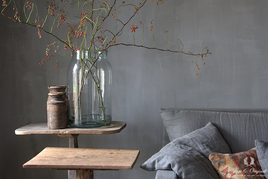 Fresco lime paint in the colour Thunder Sky, applied in the living room